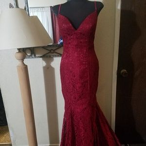 Dresses & Skirts - Sz 10 red lace mermaid dress